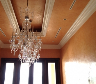 Walls, ceiling with venetian plaster