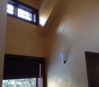Venetian plaster with gold iredescent finish