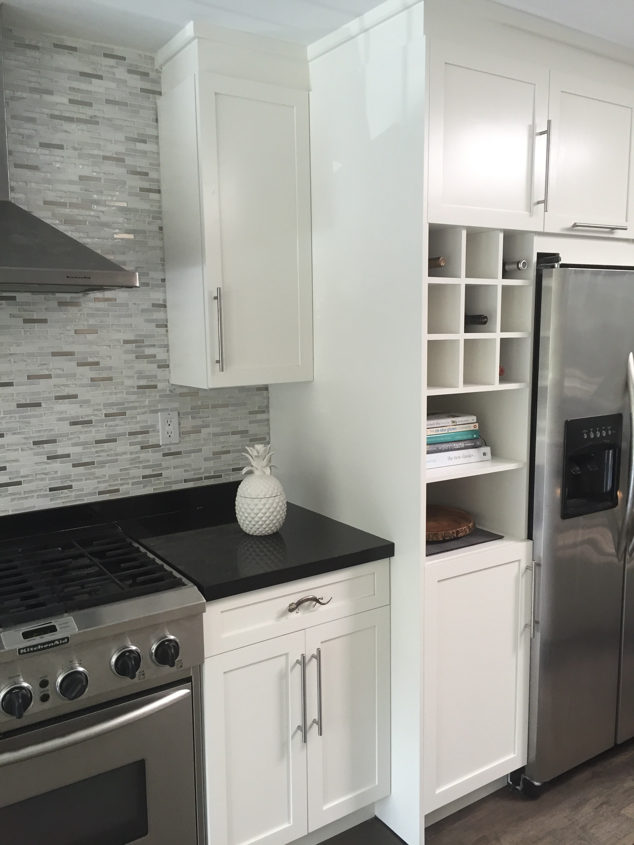Kitchen painting gallery for Perfect kitchen mississauga